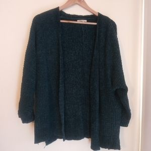 Hunter green knitted cardigan